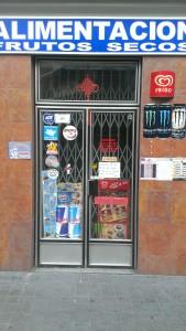 Tienda de alimentación china cerrada por vacaciones