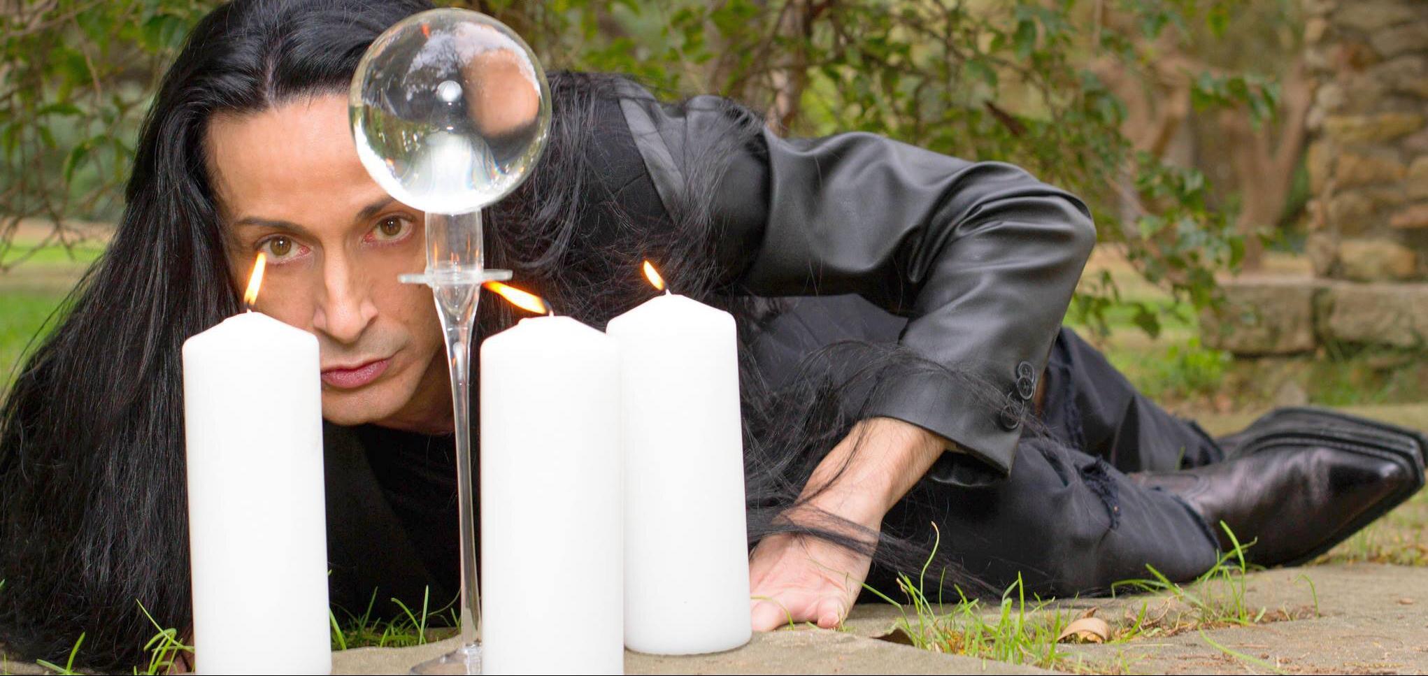 Sandro Rey predice su propia muerte
