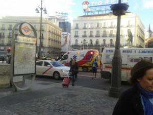 Servicios de urgencias en la Puerta del Sol tras el terremoto