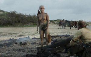Emilia Clarke desnudo completo