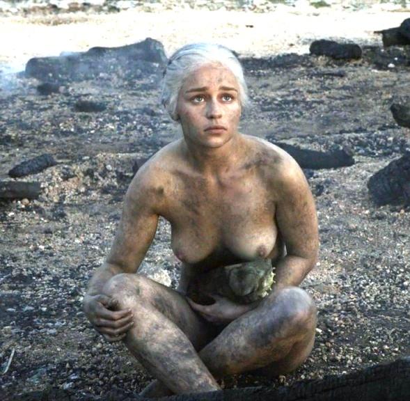 Emilia Clarke Se Desnuda Sin Dobles La Voz Popular